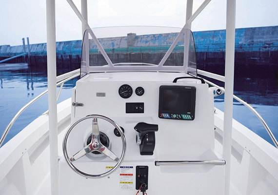 Sample setting of Console.(Navigational instruments are not included)