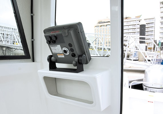 GPS stand, oppsit side of Rear Control Station (Electronic)(OPT)(Navigational instruments are not included).